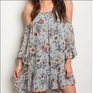 NEW🌹Gray Floral off shoulder dress